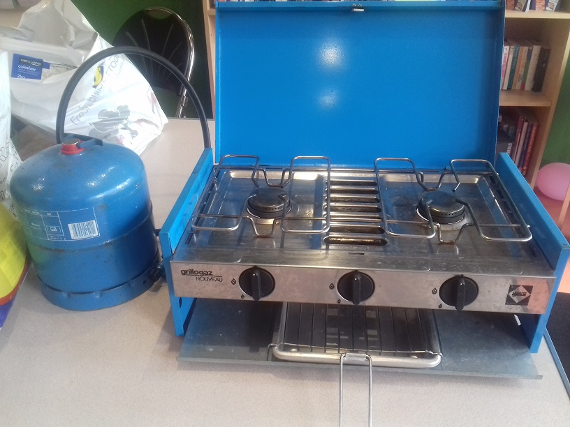 Gas Cooker (2 ring with gas bottle)